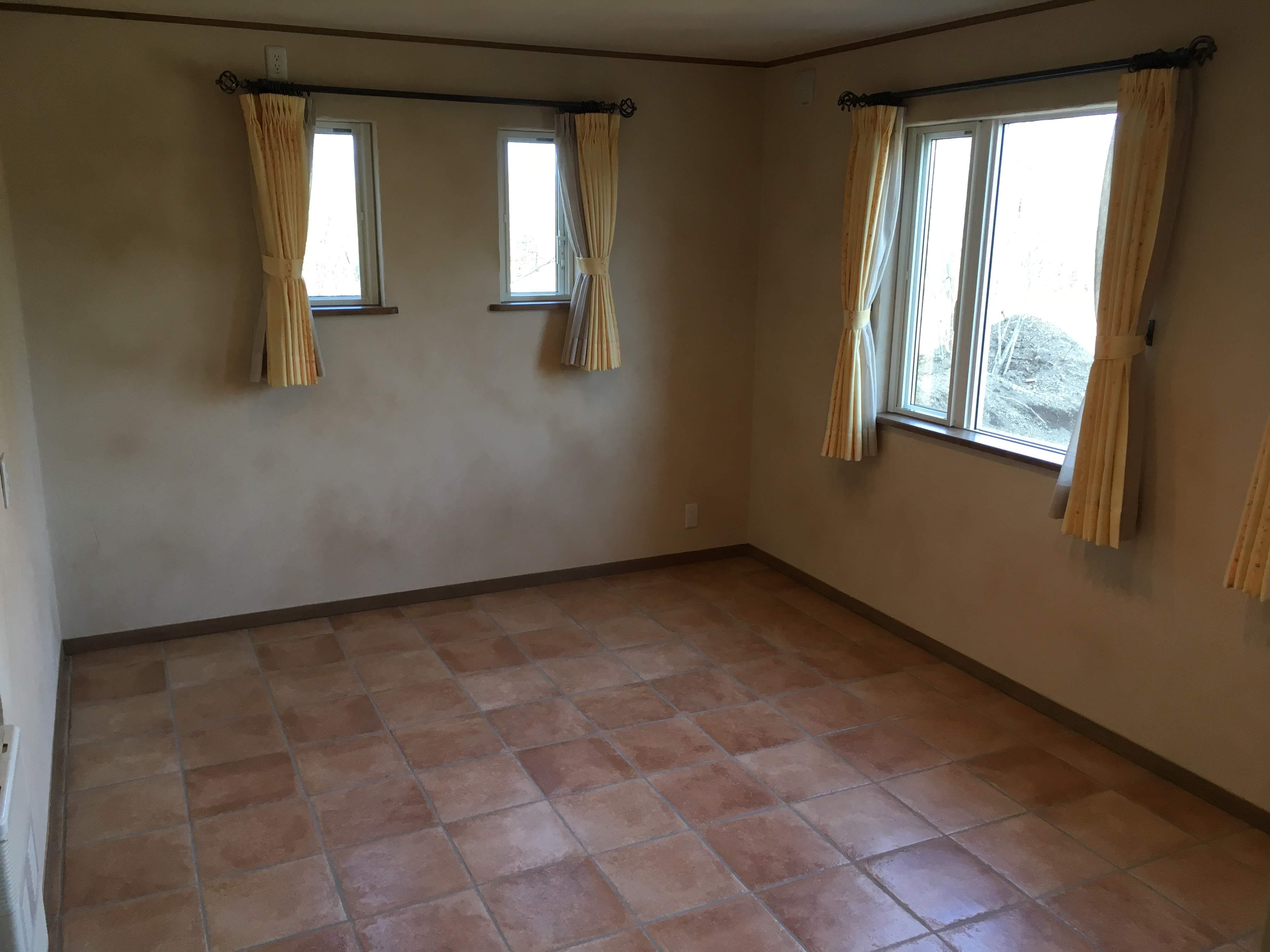 1階洋室(8.2帖)